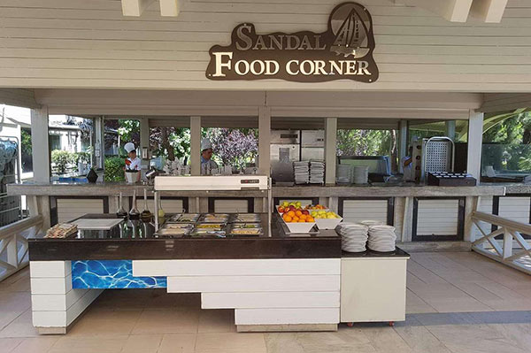 Susesi Luxury Resort Sandal Food Corner